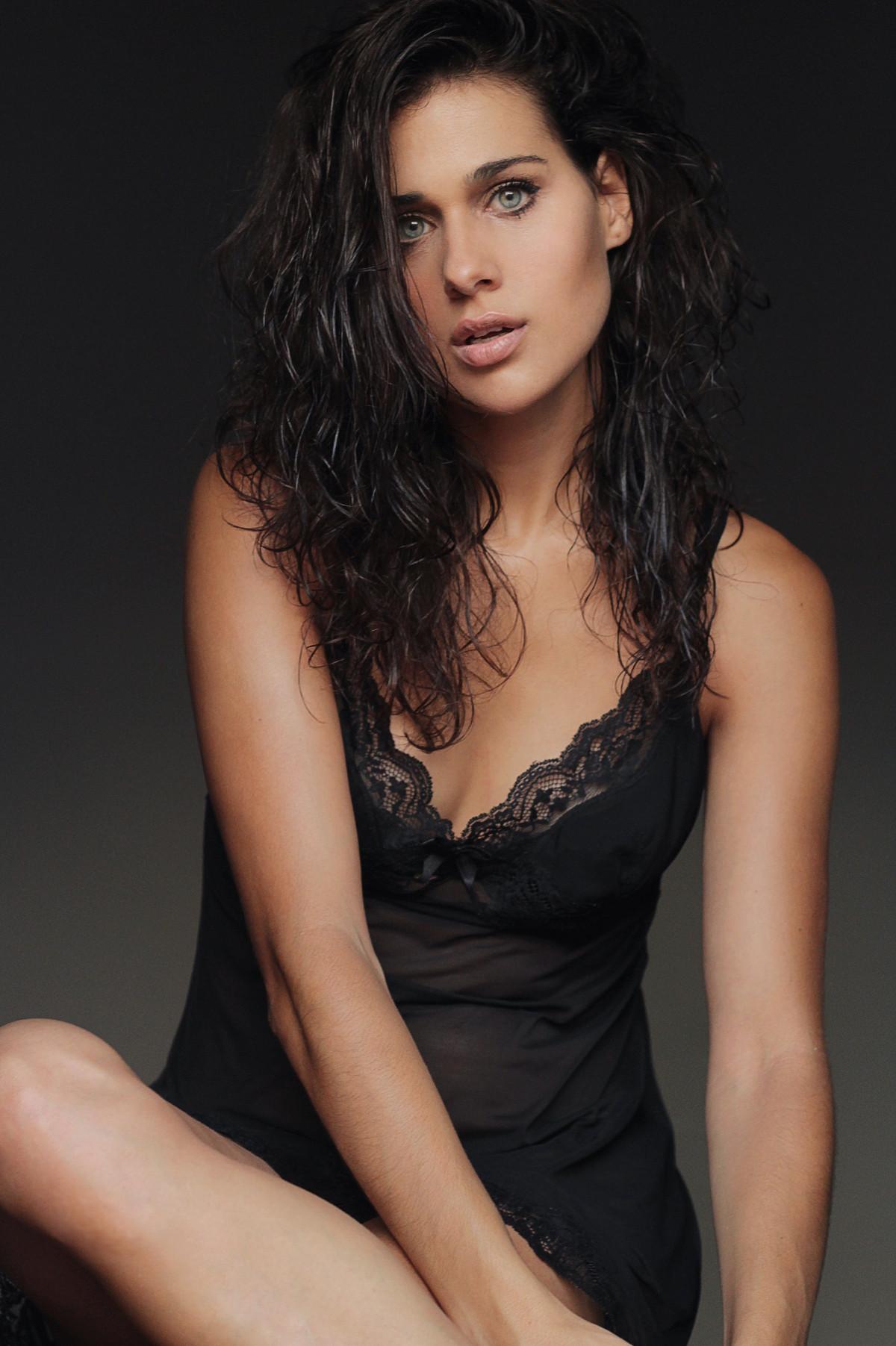 iris lezcano actriz española valencia galería de fotos